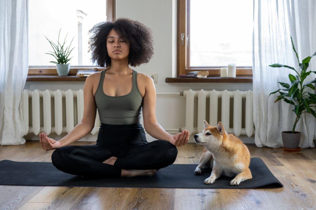 Eine Yogamatte im Test, für entspannende Positionen